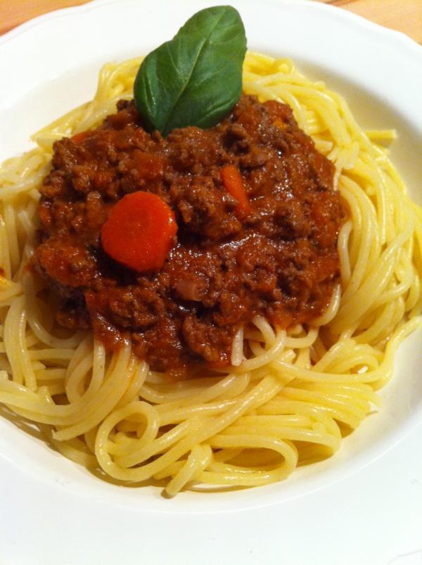 leckere fitness spaghetti mit bolognese sauce. Black Bedroom Furniture Sets. Home Design Ideas