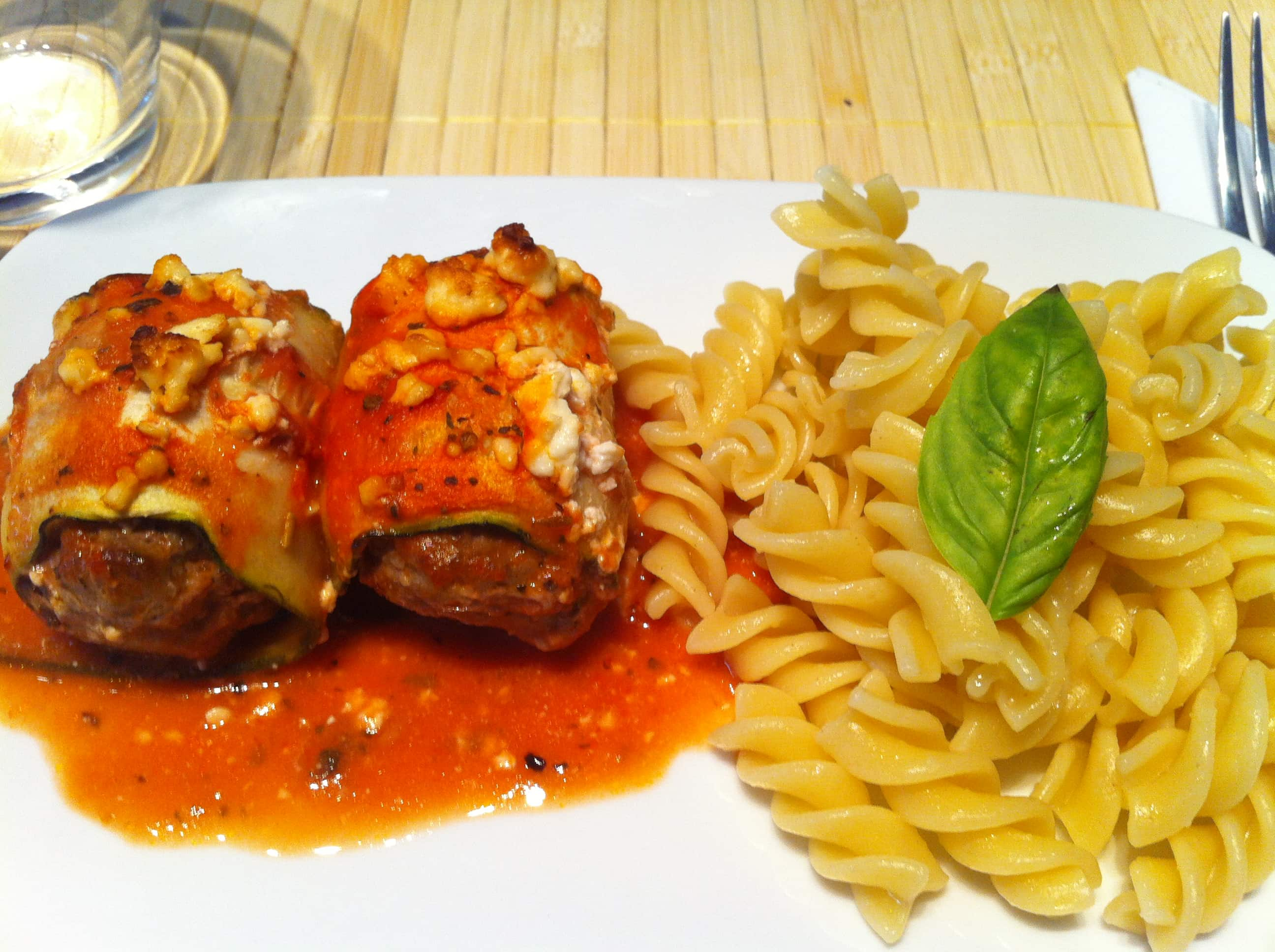 Die High Carb Fitness Cannelloni mit einer leichten Tomatensauce