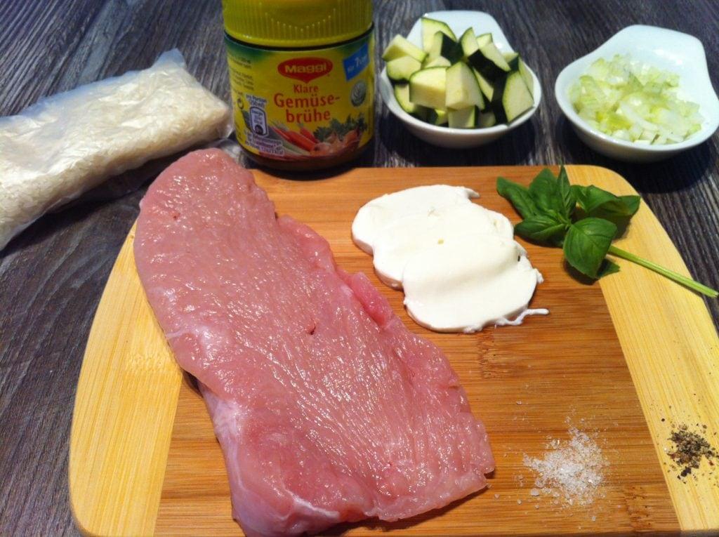 Die Protein Mozzarella Roulade mit Zucchini Reis