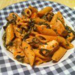Die low fat Spinat Nudeln an einer leichten Tomatensauce