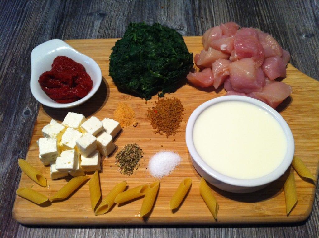 Die low fat Spinat Nudeln an einer leichten Tomatensauce1