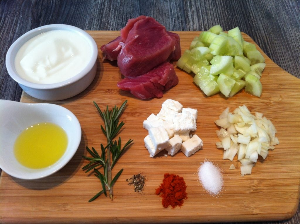 Der Low Carb Schlangengurken Salat Teller mit Schweinefilet1