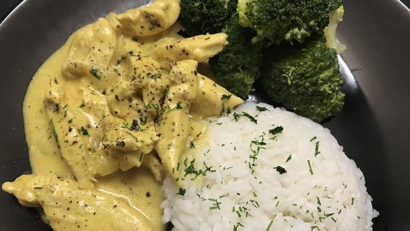 Hähnchencurry-Brokkoli
