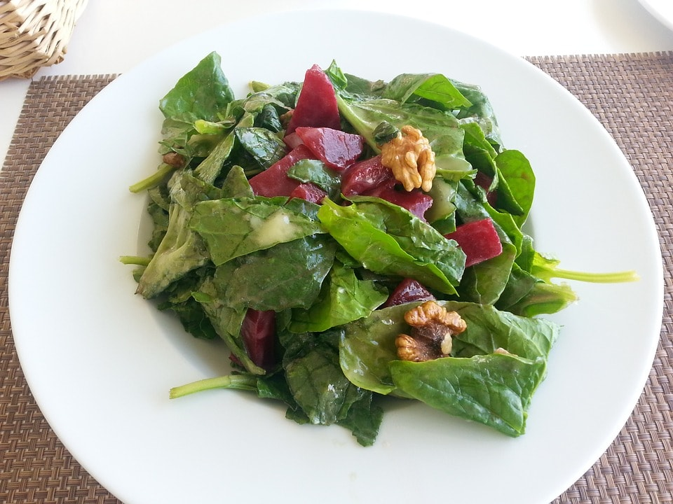 Grünes Blattgemüse, Blattspinat, Spinat