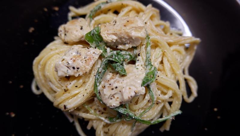 Rucola-Spaghetti-Hähnchen