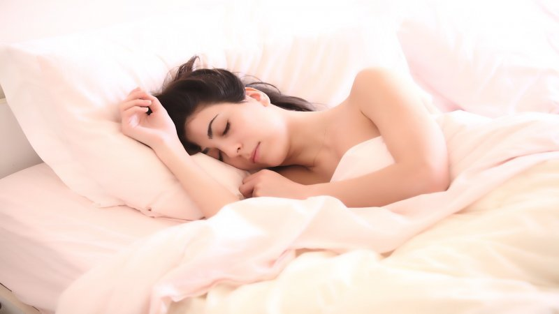 Diese 7 Late-Night-Snacks helfen dir beim Einschlafen