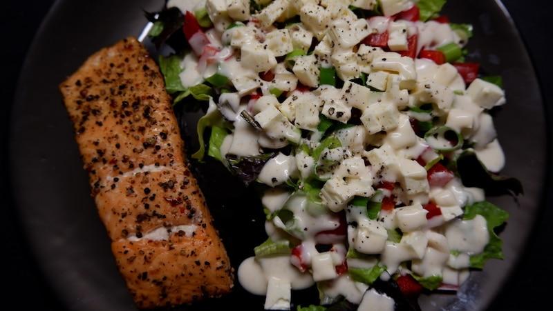 Stremellachs mit sommerlichem Salat