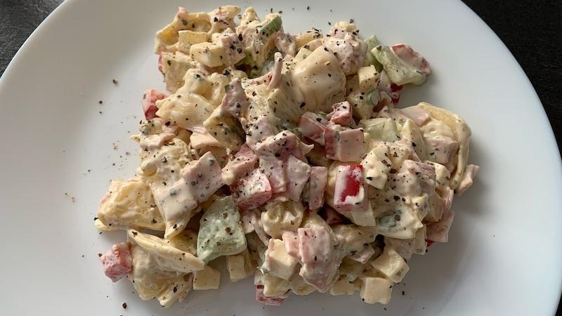 Fruchtiger Tortellini-Salat